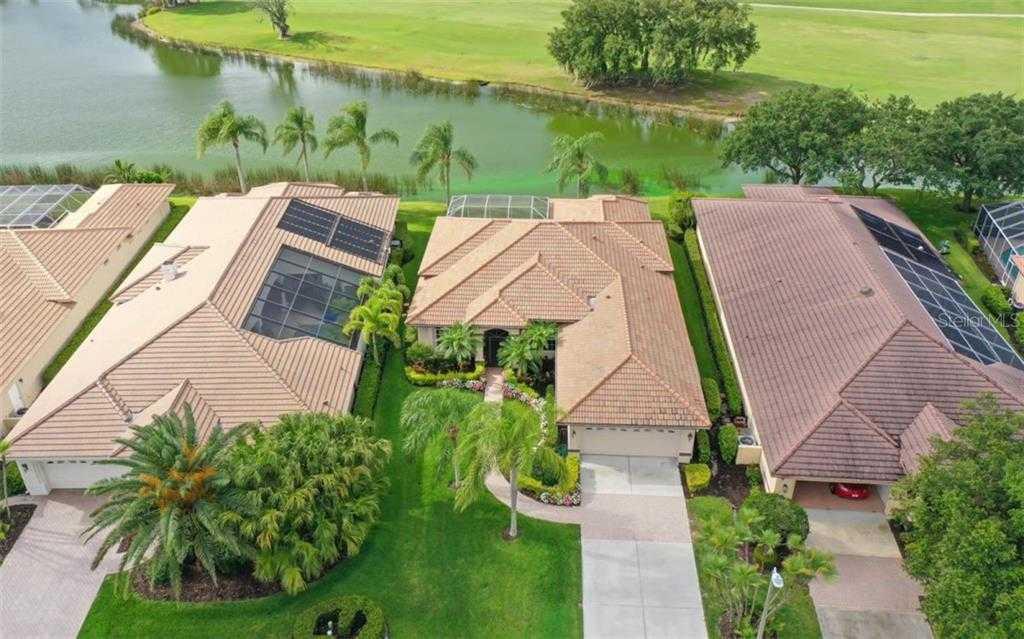 $540,000 - 3Br/3Ba -  for Sale in Laurel Oak Estates, Sarasota
