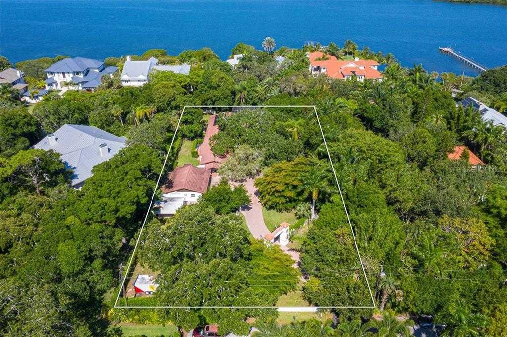 $1,400,000 - 3Br/2Ba -  for Sale in Hansen, Sarasota