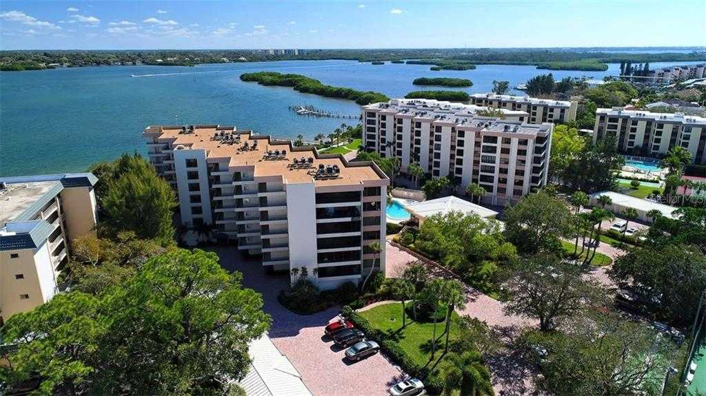 $950,000 - 3Br/3Ba -  for Sale in Turtle Bay Sec 2, Sarasota