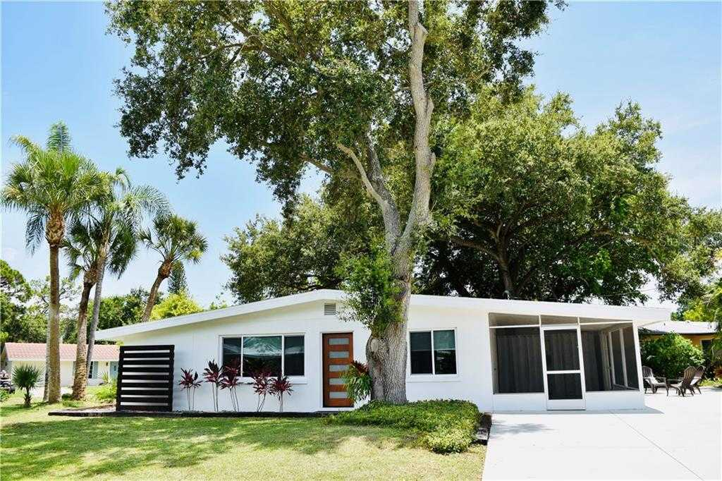 $389,000 - 3Br/2Ba -  for Sale in Pine Shores Estate 3rd Add, Sarasota