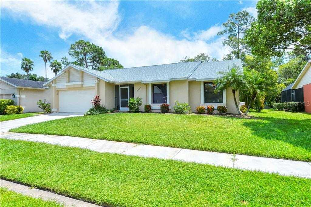 $355,000 - 3Br/2Ba -  for Sale in Colonial Oaks, Sarasota