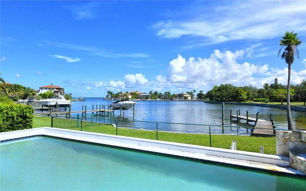 $1,195,000 - 3Br/3Ba -  for Sale in Sapphire Shores Resub Blk M, Sarasota