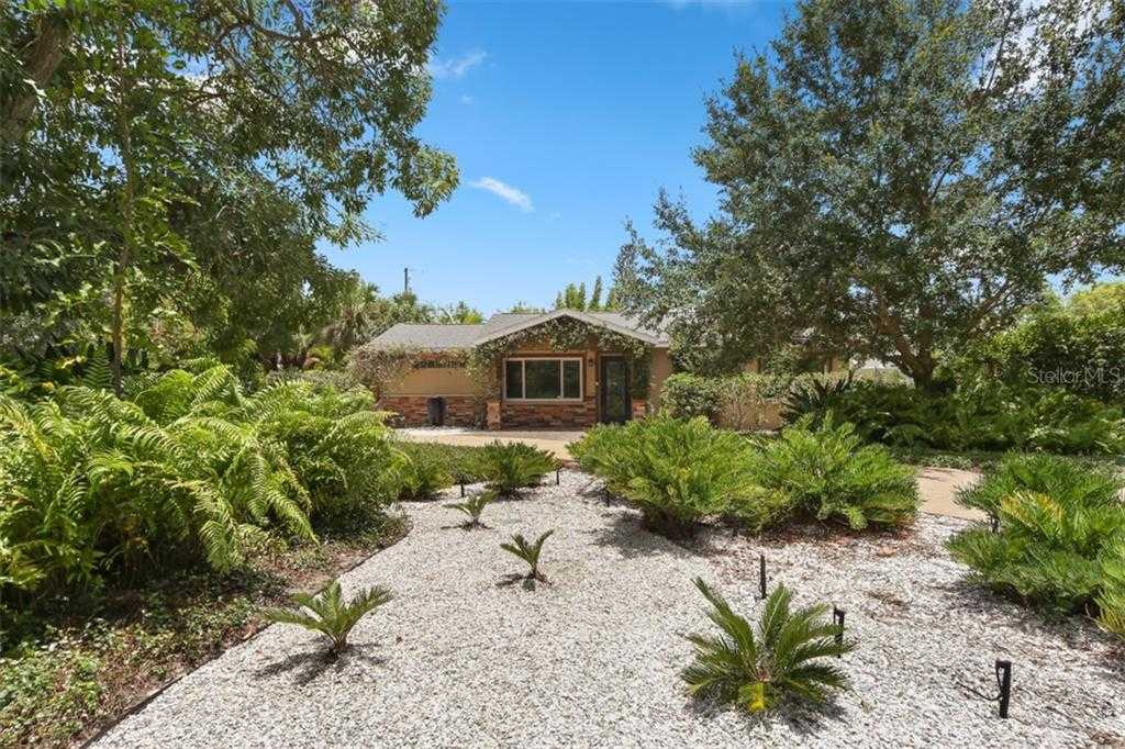$499,900 - 3Br/3Ba -  for Sale in Sapphire Heights, Sarasota