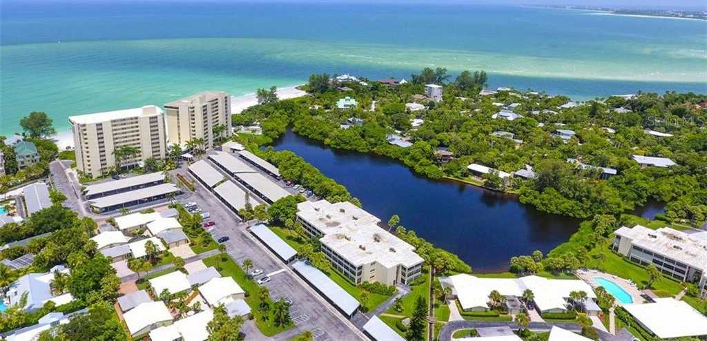 $485,000 - 2Br/2Ba -  for Sale in Whispering Sands Sec 3, Sarasota
