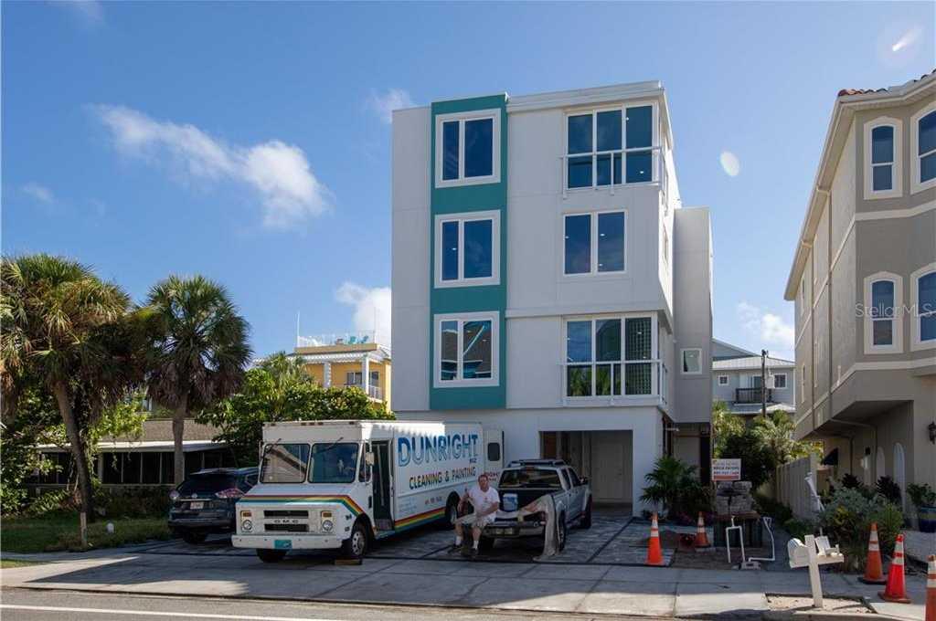 $3,490,000 - 6Br/6Ba -  for Sale in Sarasota Beach, Sarasota