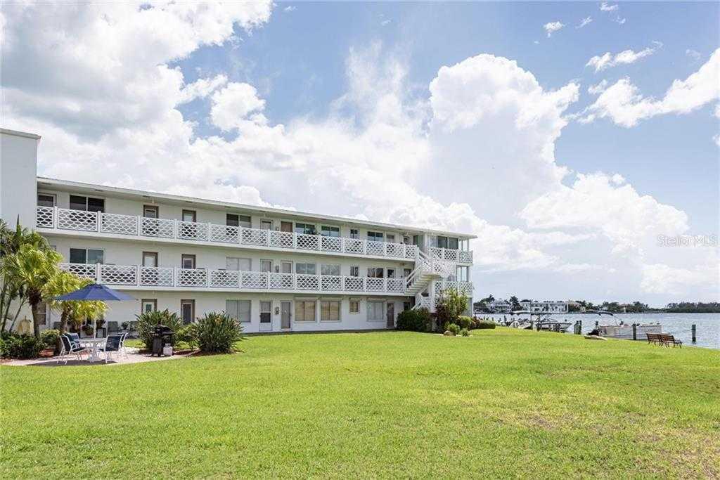 $585,000 - 2Br/2Ba -  for Sale in Sarasota Harbor, Sarasota