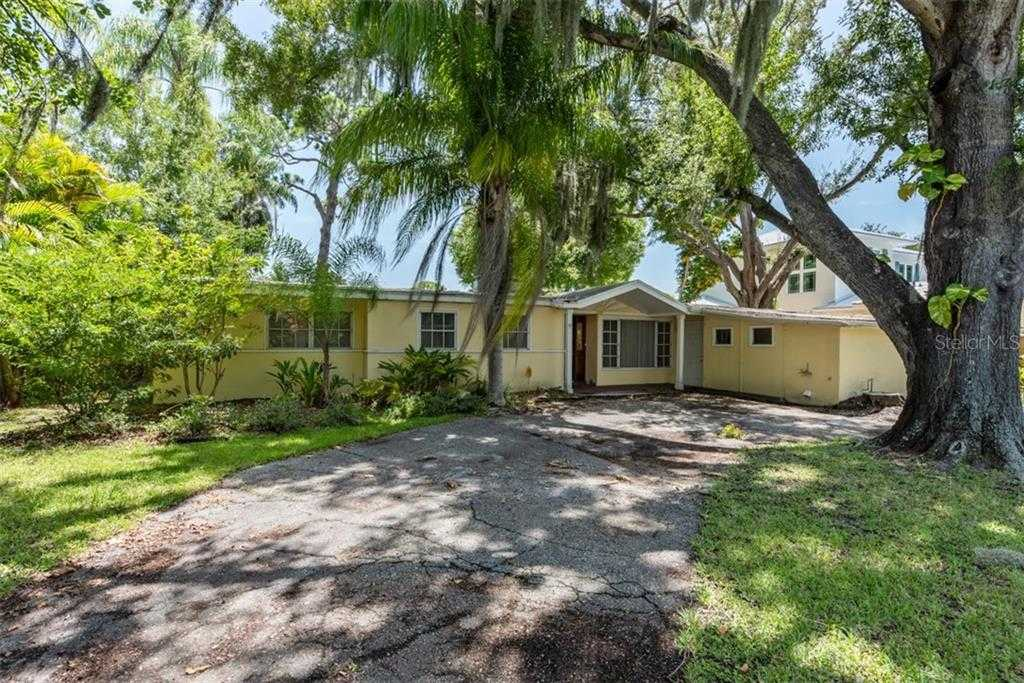 $505,000 - 3Br/2Ba -  for Sale in Johnson Estates, Sarasota