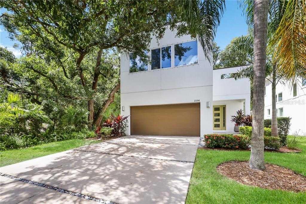 $700,000 - 3Br/3Ba -  for Sale in Hudson Park, Sarasota