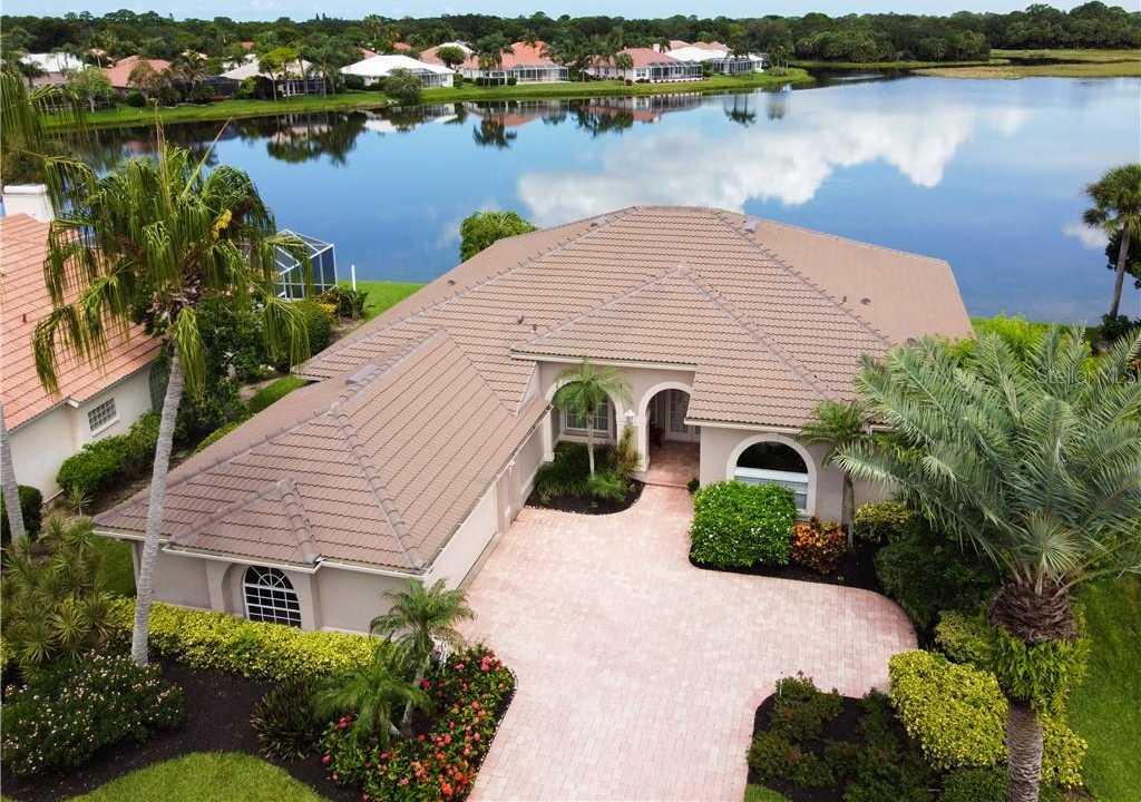 $534,900 - 3Br/3Ba -  for Sale in Turtle Rock, Sarasota