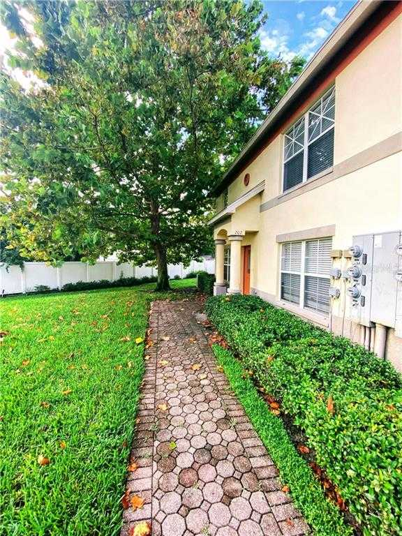 $169,000 - 3Br/3Ba -  for Sale in Coquina Key Twnhms, St Petersburg