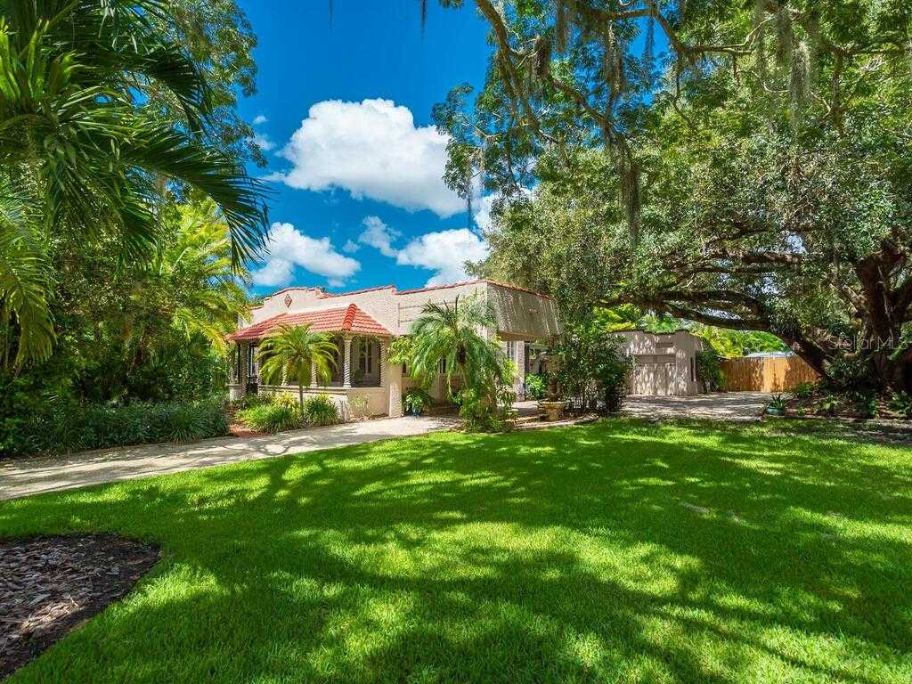 $750,000 - 2Br/3Ba -  for Sale in Vamo Amd Of, Sarasota