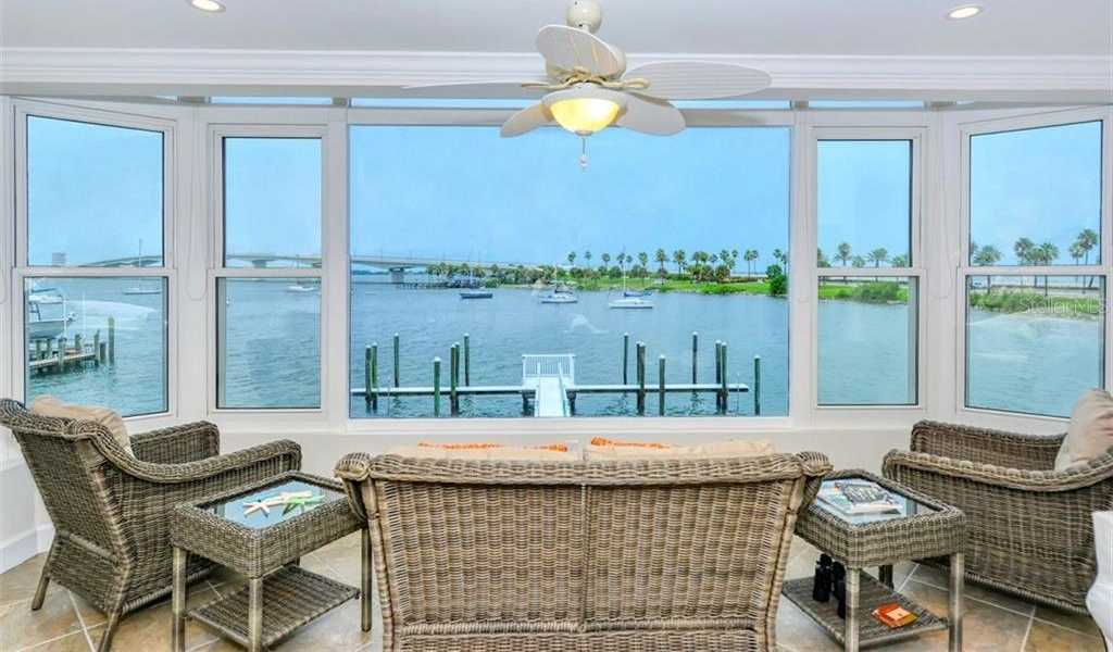 $583,900 - 2Br/2Ba -  for Sale in Harbor House, Sarasota