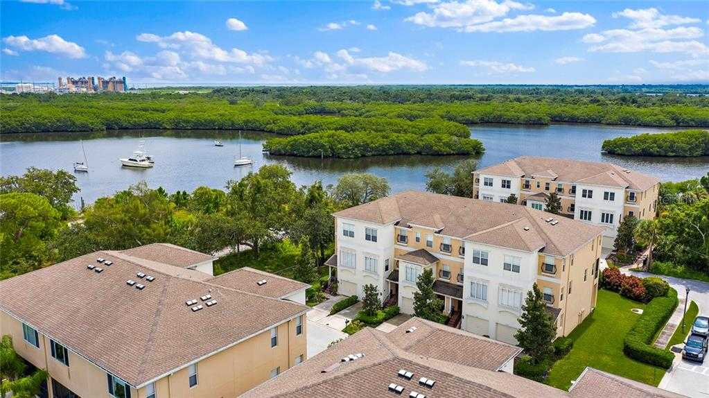 $330,000 - 3Br/3Ba -  for Sale in Venetian Harbor, St Petersburg