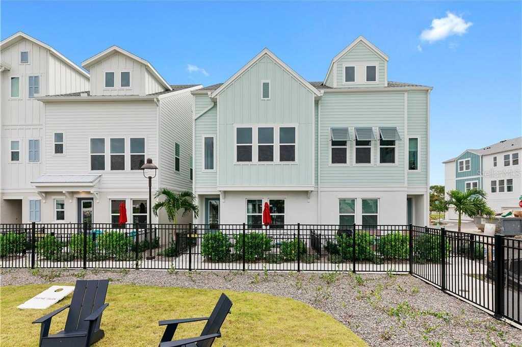 $423,990 - 3Br/4Ba -  for Sale in Payne Park Village, Sarasota