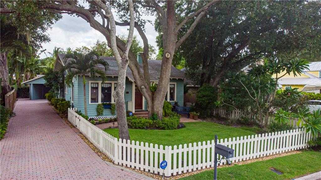 $899,000 - 3Br/3Ba -  for Sale in Bungalow Hill, Sarasota