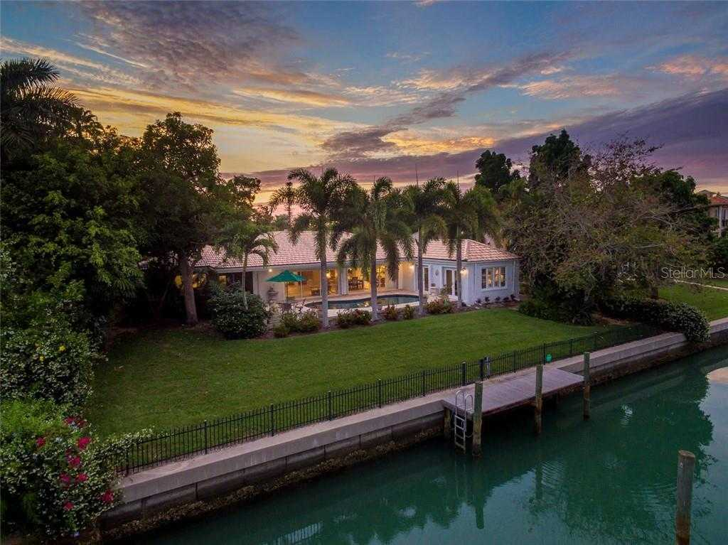 $1,799,000 - 4Br/3Ba -  for Sale in Bird Key Sub, Sarasota