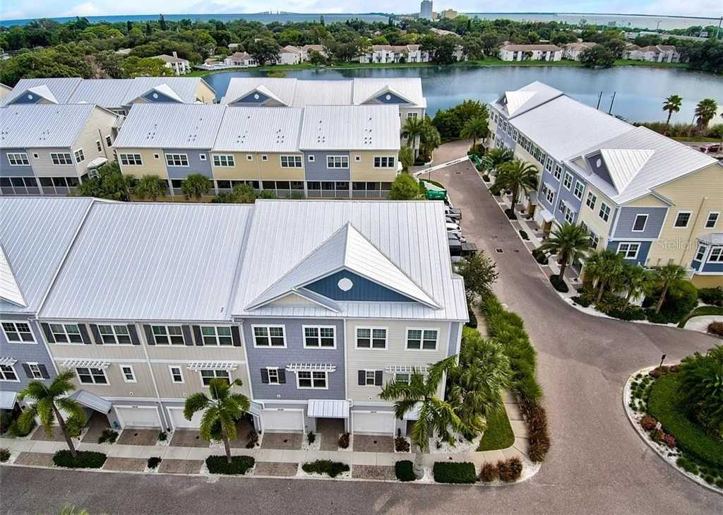 $495,999 - 4Br/3Ba -  for Sale in Cove At Loggerhead Marina, St Petersburg