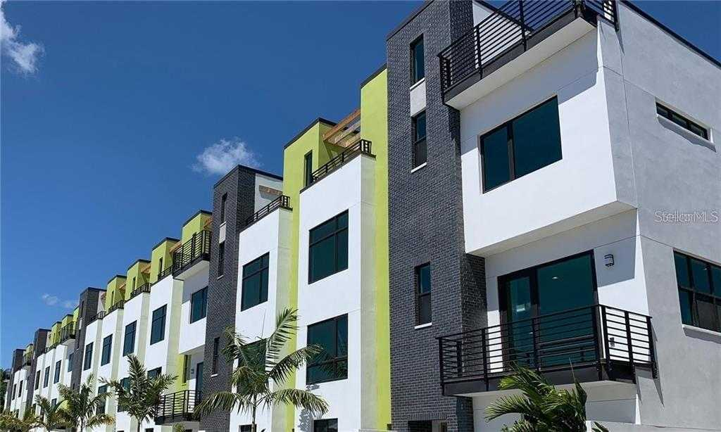 $651,000 - 3Br/4Ba -  for Sale in District On 9th Sub, St Petersburg