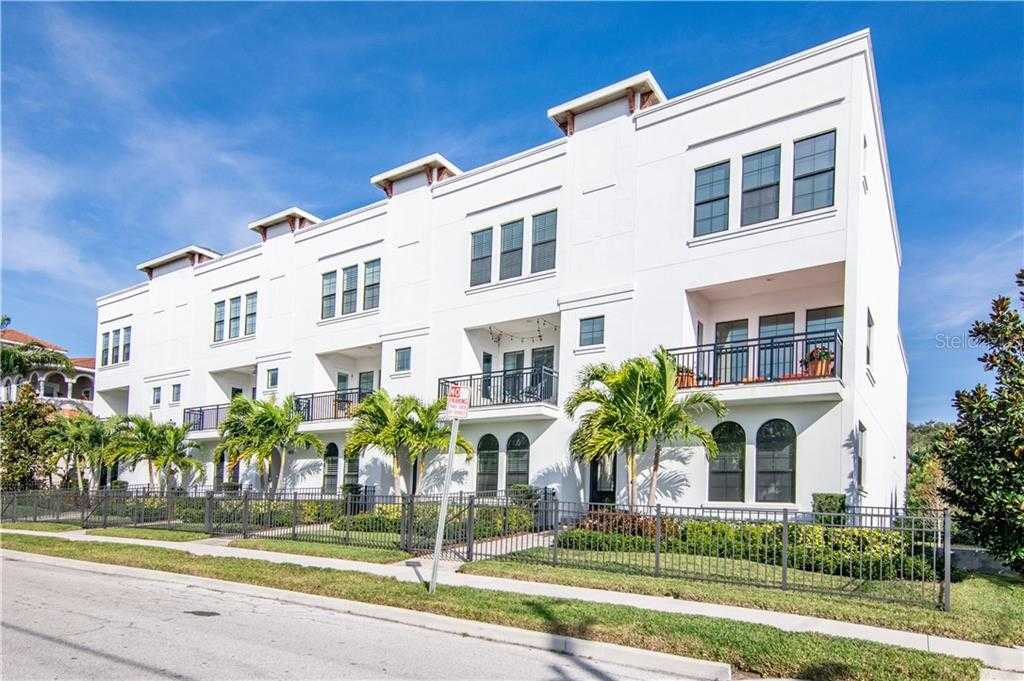$722,000 - 3Br/4Ba -  for Sale in Crescent Lake Twnhms Ph Ii, St Petersburg