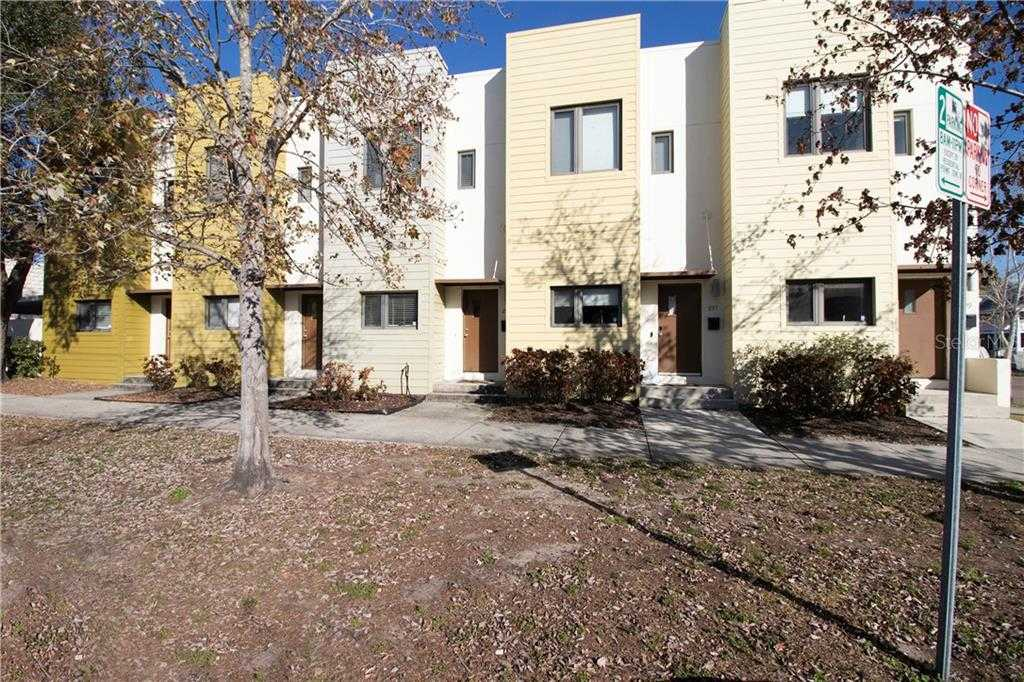 $389,000 - 2Br/3Ba -  for Sale in Starlite Twnhms Sub, St Petersburg