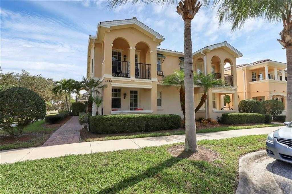 $398,900 - 3Br/3Ba -  for Sale in Villagewalk, Sarasota