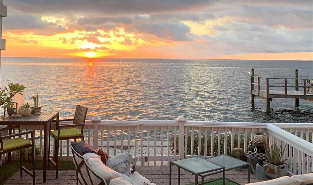 $352,000 - 1Br/2Ba -  for Sale in Waterside At Coquina Key South, St Petersburg