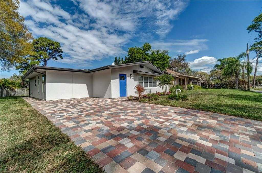 $440,000 - 3Br/2Ba -  for Sale in Forest Hills, Sarasota