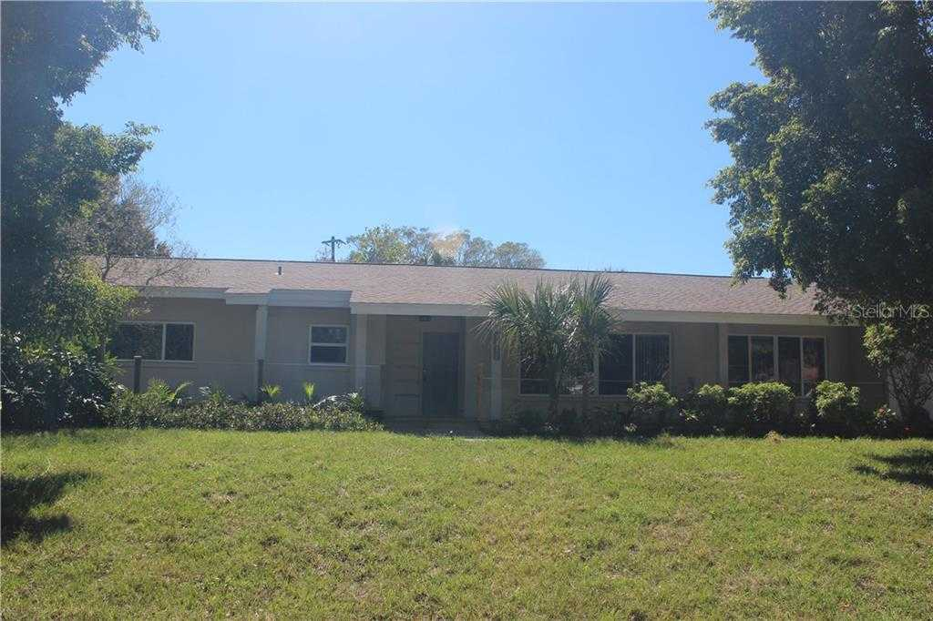 $650,000 - 4Br/3Ba -  for Sale in South Gate, Sarasota