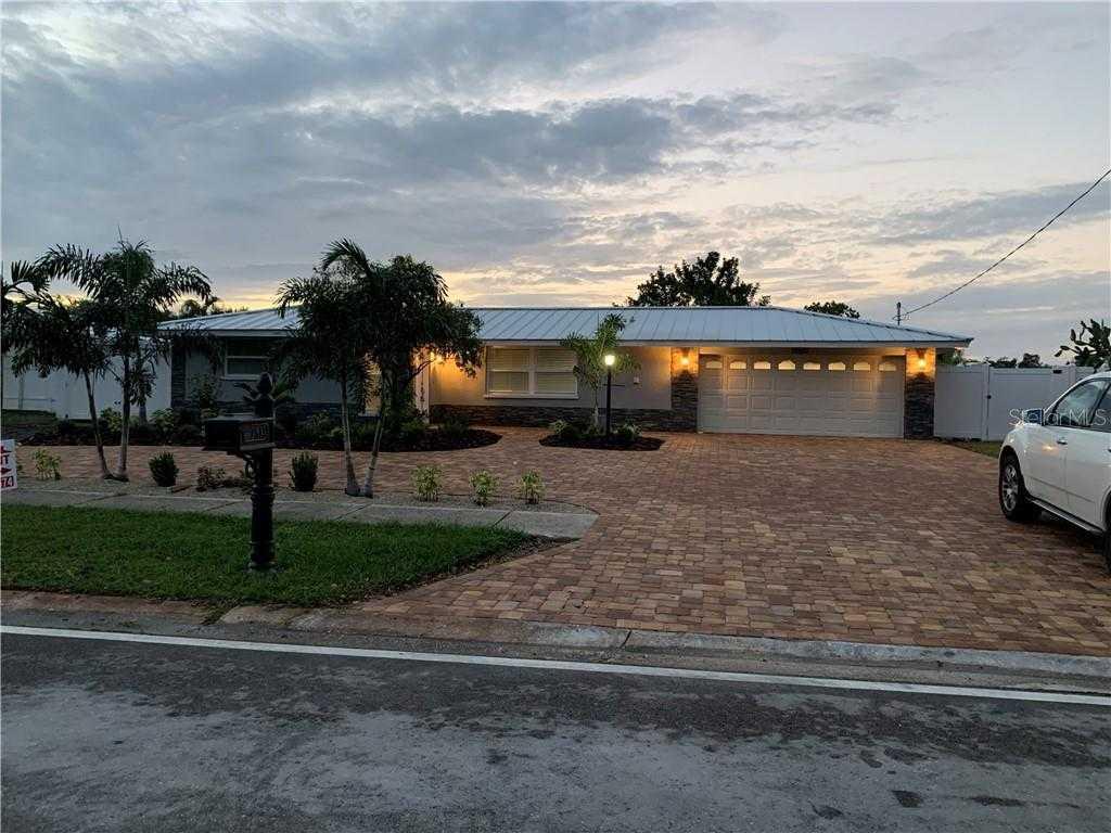 $649,900 - 3Br/2Ba -  for Sale in Phillippi Gardens 06, Sarasota