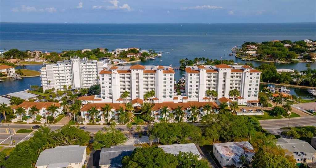 $725,000 - 2Br/3Ba -  for Sale in Water Club Snell Isle Condo, St Petersburg