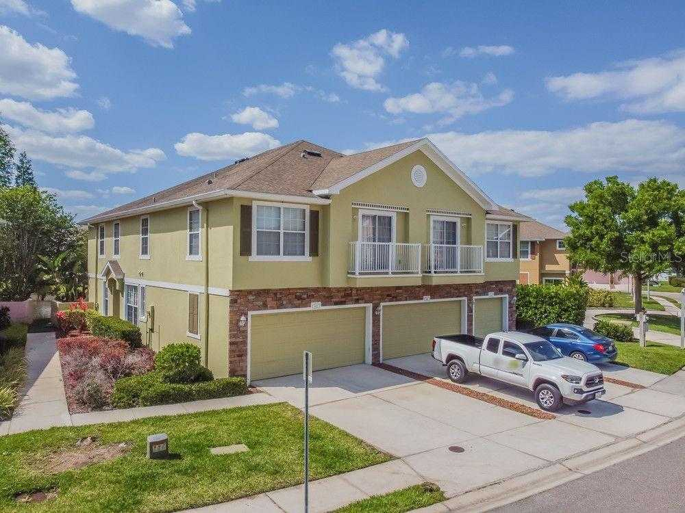 $348,000 - 3Br/3Ba -  for Sale in Bay Breeze Cove, St Petersburg