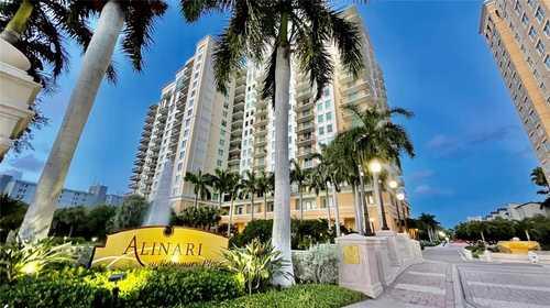 $1,749,000 - 3Br/4Ba -  for Sale in Alinari, Sarasota