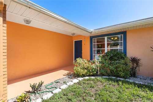 $449,000 - 3Br/2Ba -  for Sale in Lake Sarasota, Sarasota