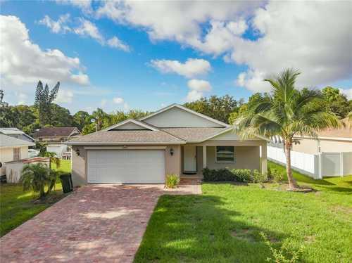 $445,000 - 3Br/2Ba -  for Sale in Rio Vista Resub, Sarasota