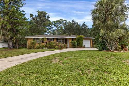 $319,000 - 3Br/2Ba -  for Sale in Shadow Lakes, Sarasota