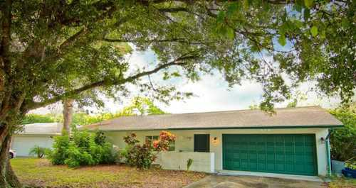 $330,000 - 3Br/2Ba -  for Sale in De Soto Country Club Colony, Sarasota