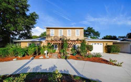 $870,000 - 4Br/4Ba -  for Sale in South Gate, Sarasota