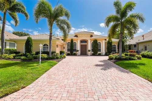 $900,000 - 4Br/3Ba -  for Sale in Lakewood Ranch Country Club Village K, Lakewood Ranch