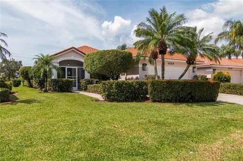$379,000 - 2Br/2Ba -  for Sale in Villas At Deer Creek, Sarasota