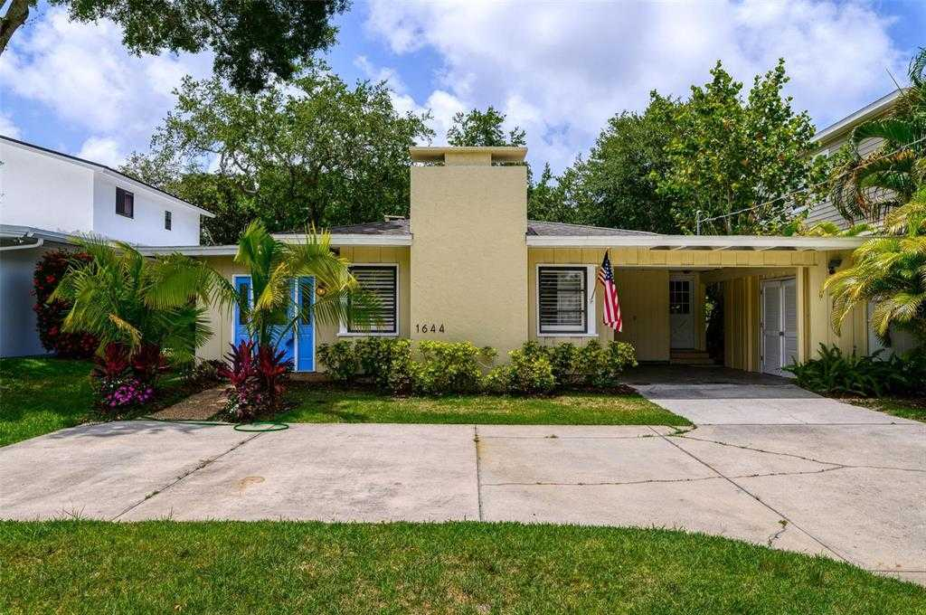 $825,000 - 3Br/2Ba -  for Sale in Mcclellan Park, Sarasota