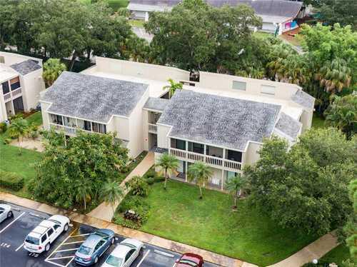 $198,000 - 2Br/2Ba -  for Sale in Cordova Gardens Iii, Sarasota