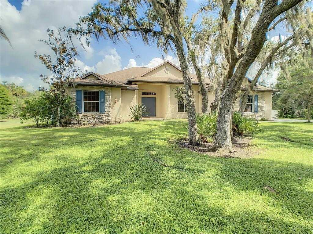 $649,900 - 4Br/3Ba -  for Sale in Oak Ford Golf Club, Sarasota