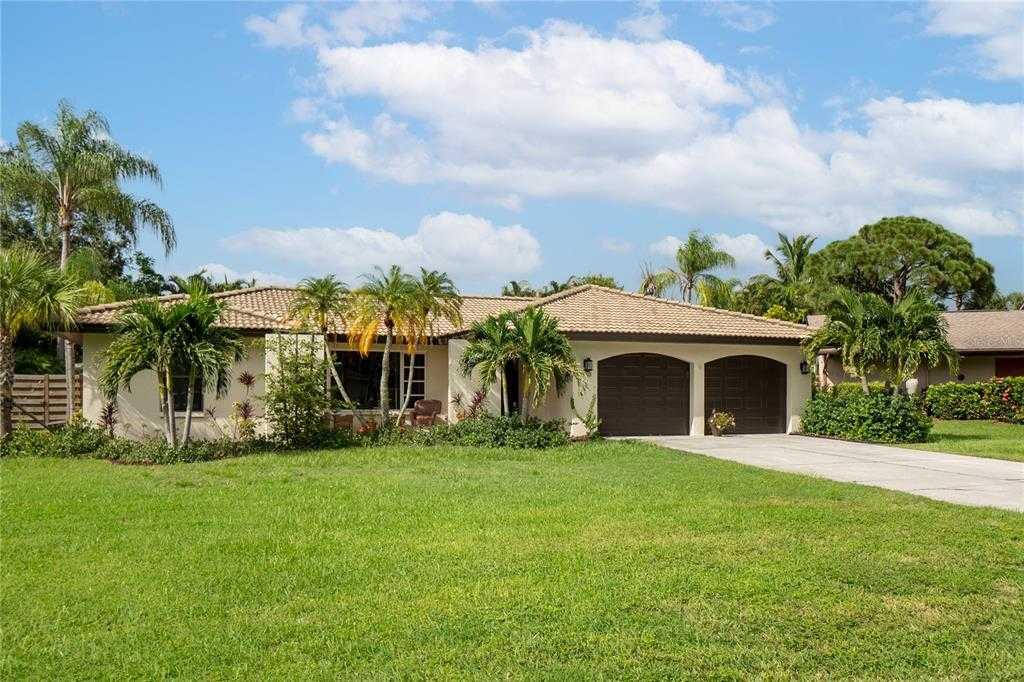 $669,900 - 3Br/2Ba -  for Sale in Cedar Cove Estates Rep, Sarasota