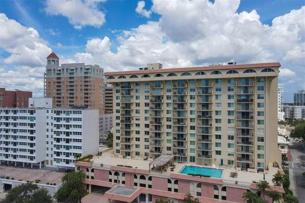 $450,000 - 2Br/2Ba -  for Sale in Dolphin Tower, Sarasota