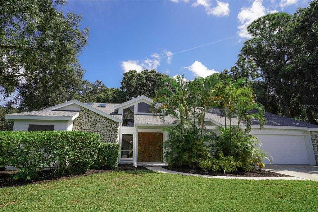 $699,000 - 3Br/2Ba -  for Sale in Lakes Estates The, Sarasota