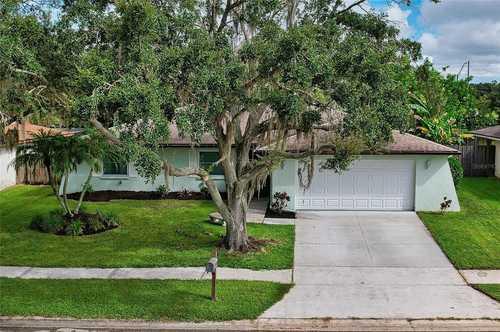$389,000 - 3Br/2Ba -  for Sale in Lake Sarasota, Sarasota