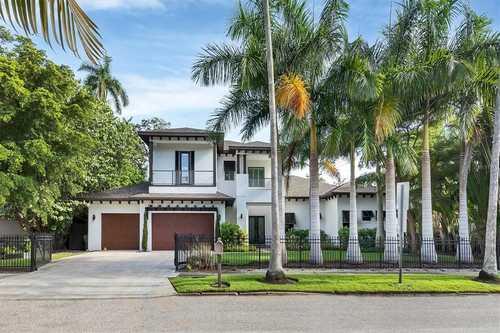$3,100,000 - 4Br/5Ba -  for Sale in Desota Park, Sarasota