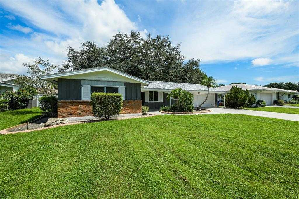 $395,000 - 3Br/2Ba -  for Sale in Frst Lakes Country Club Estates, Sarasota