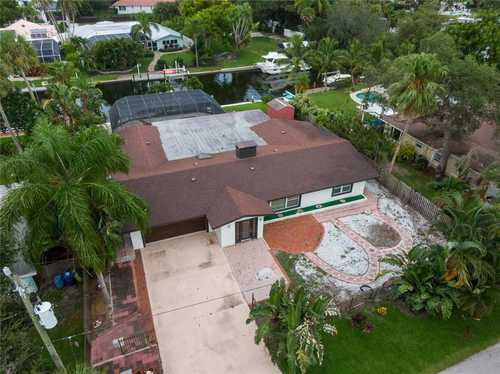 $1,299,000 - 3Br/3Ba -  for Sale in Bay View Acres, Sarasota