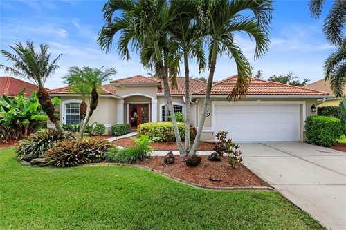 $625,000 - 4Br/2Ba -  for Sale in Turtle Rock, Sarasota